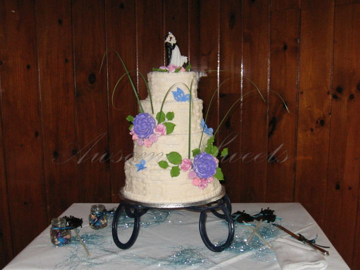 Tmx 1393440353578 Wed025 Pawtucket, RI wedding cake