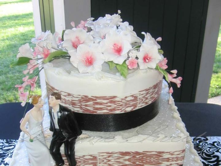Tmx 1393442563320 Wed012 Pawtucket, RI wedding cake