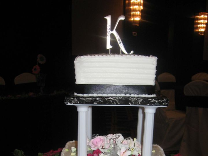 Tmx 1393443608812 Wed001 Pawtucket, RI wedding cake