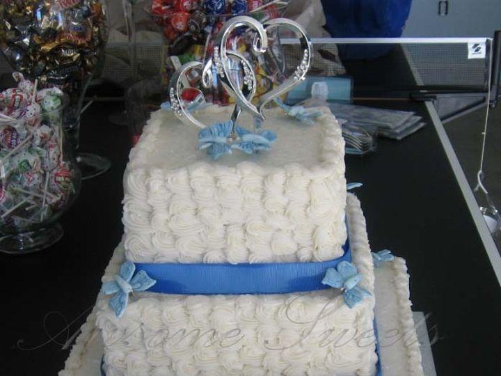 Tmx 1393443634900 Wed003 Pawtucket, RI wedding cake