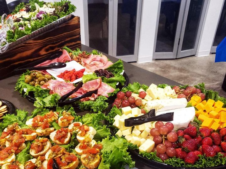 Tmx Charcuterie2 51 1117327 158215232820936 Mentor, OH wedding catering