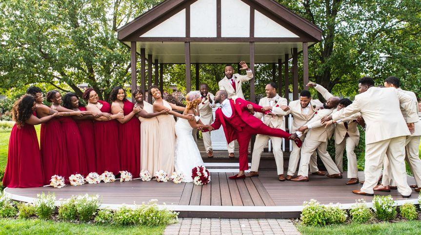 white wedding 974 51 1049327 1568172541