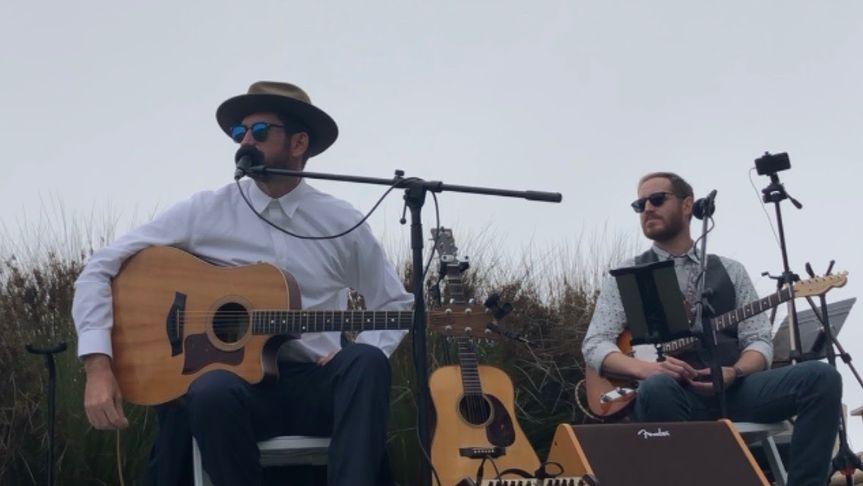 Wood & Steel guitar duo