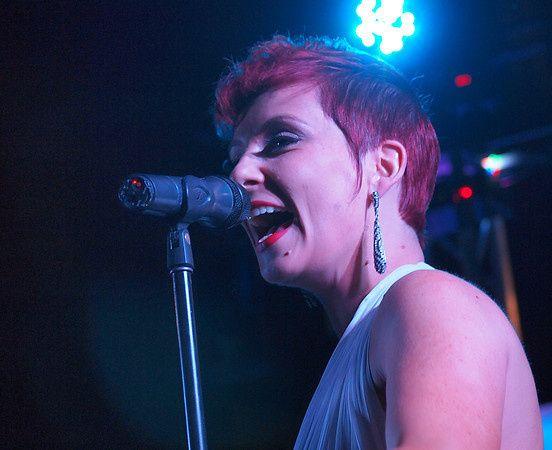 si female singer