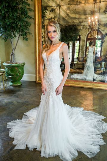 46957ecee736 Nicole Bridal & Formal Shoppe - Dress & Attire - Jenkintown, PA -  WeddingWire