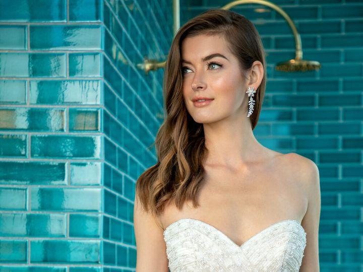 Tmx Enaura Ani 00346 Close Up 51 16427 161185263258490 Jenkintown, Pennsylvania wedding dress