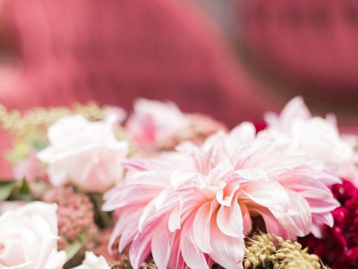 Tmx 1515455678 B8c1d50804108207 1515455674 250a197b3fc152ec 1515455488825 7 Musser Wedding Par Delaplane wedding florist