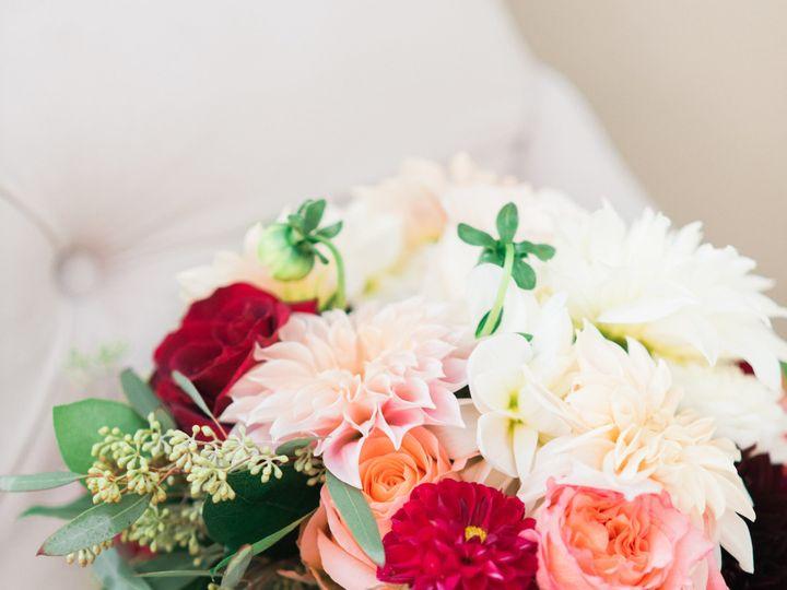 Tmx 1515466716 133ced3c1d74e513 1515466680 92dc60cea2fb7cde 1515466634204 12 OliviaandMike27 1 Delaplane wedding florist