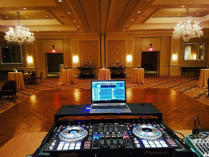 Tmx 18156181 1067908836675253 933031730661885537 O 51 1200527 1566232986 Randolph, MA wedding dj