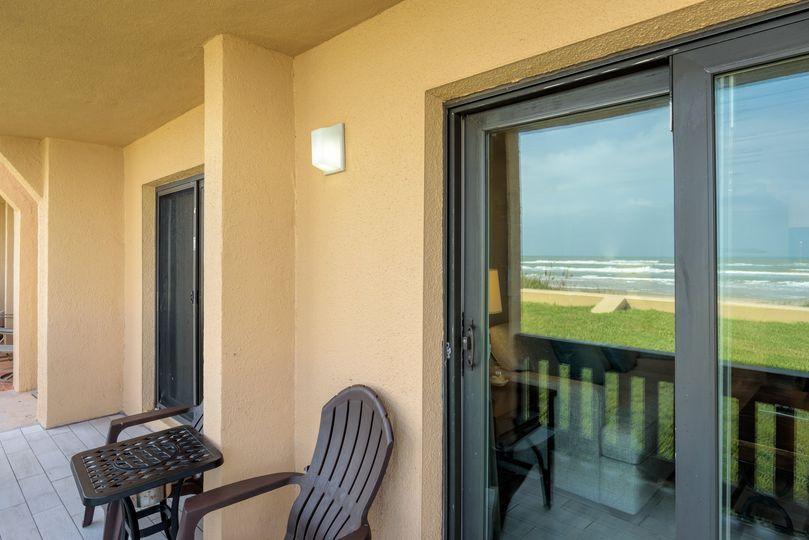 Beachfront condo - balcony