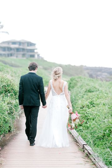 Stroll along the walkway | Jesse and James Photography