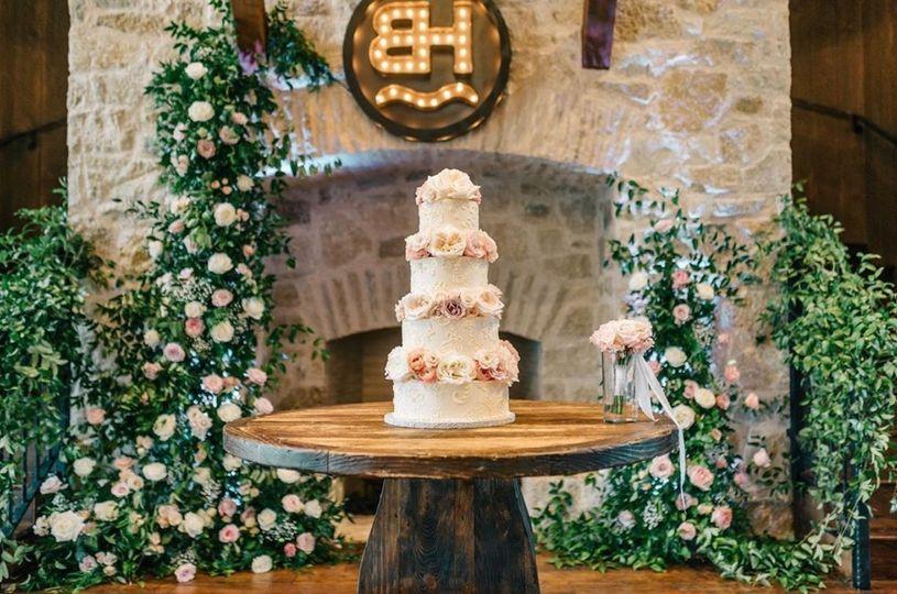 Reception wedding cake