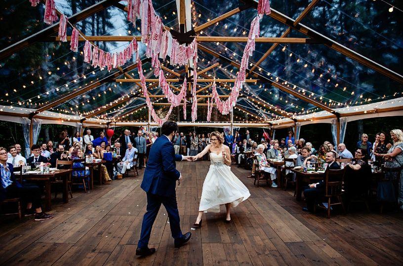 Newlyweds dancing | [photo: Hannah Photography]