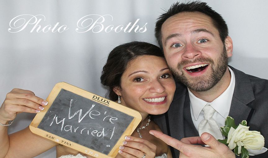 11x600 dlux photo booth chicago rental naperville