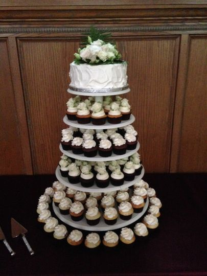 how to make a wedding cake with box mix batter bake shop wedding cake johnstown pa weddingwire 15905