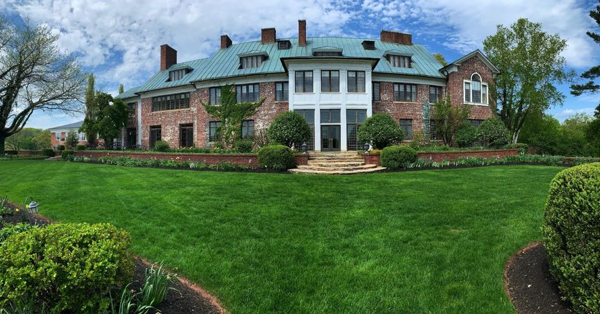 Mansion Upper Lawn
