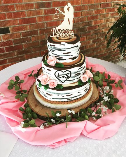 Rustic style cake