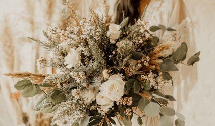 Nalinis Flowers