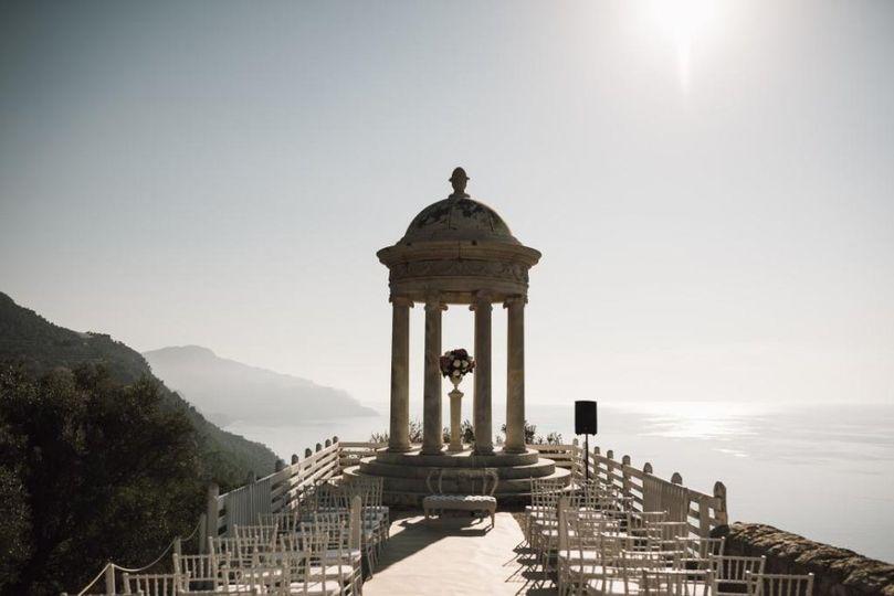 Glorious ceremony setting