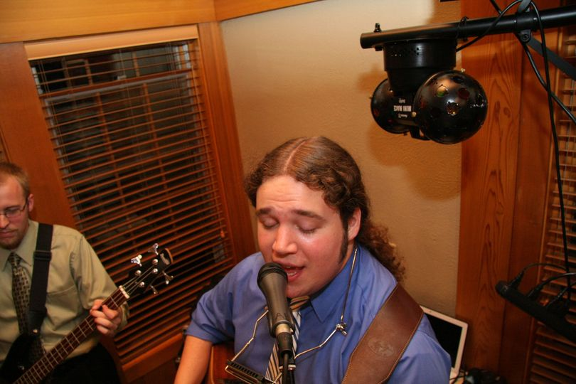 Andy Braun singing