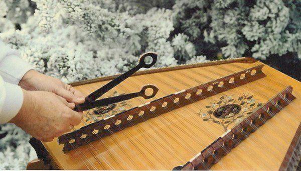 Beautiful Music on the hammer dulcimer