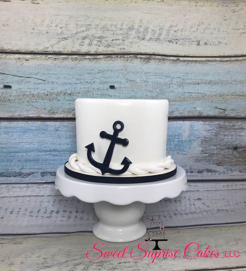 Nautical cutting cake