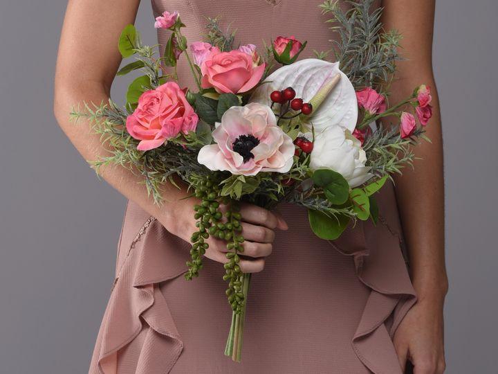 Tmx Dsc 7171tight 51 1048627 1559792899 Pottstown, PA wedding florist