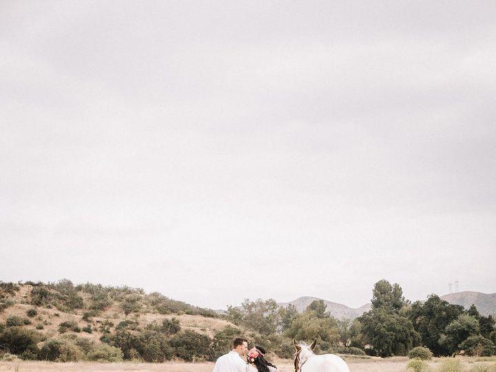 Tmx 1529719701 E204e89074a66929 1529719699 A81fa797f4ffb23d 1529719696049 23 Southwesternshoot Irvine wedding photography