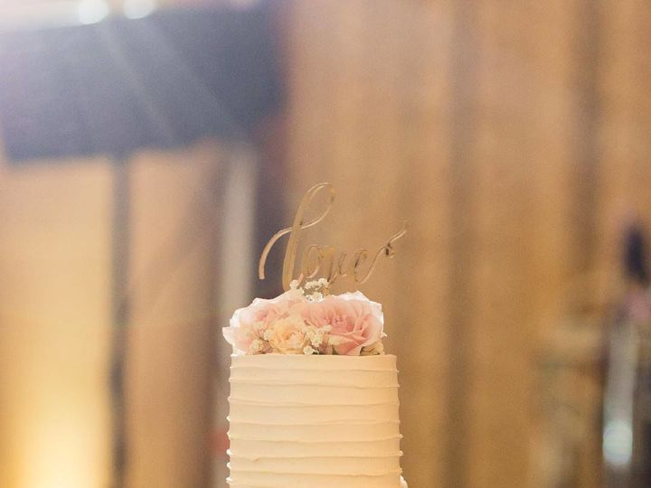 Tmx 1536272590 Cfc654a2ae378b28 1536272589 F549bc05abd7e6a6 1536272582996 7 22338980 170132073 Wixom, MI wedding cake