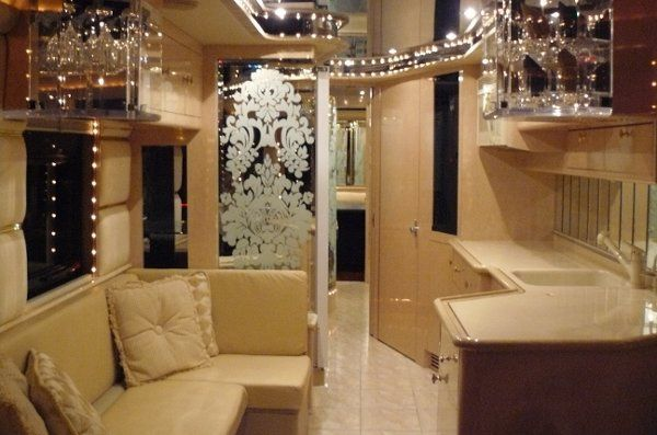marble floors, top of the line EVERYTHING, great for TV/movie trailers and tour bus work