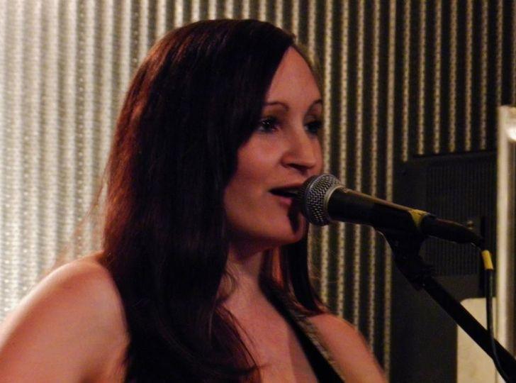 Sara performing