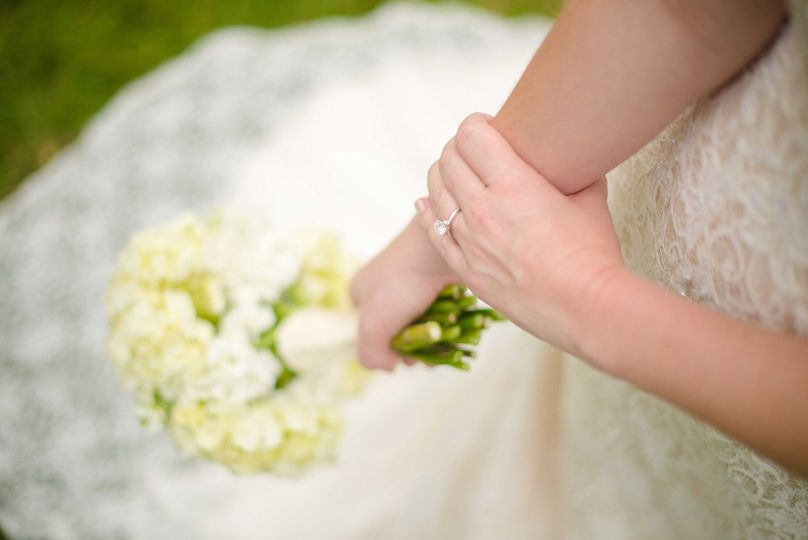 white frames photography bridals 3