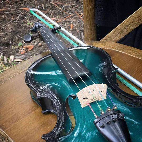 Electric/acoustic violin