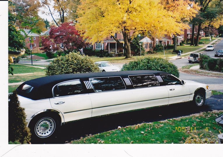 Limo - Lincoln Tux 8 Pass
