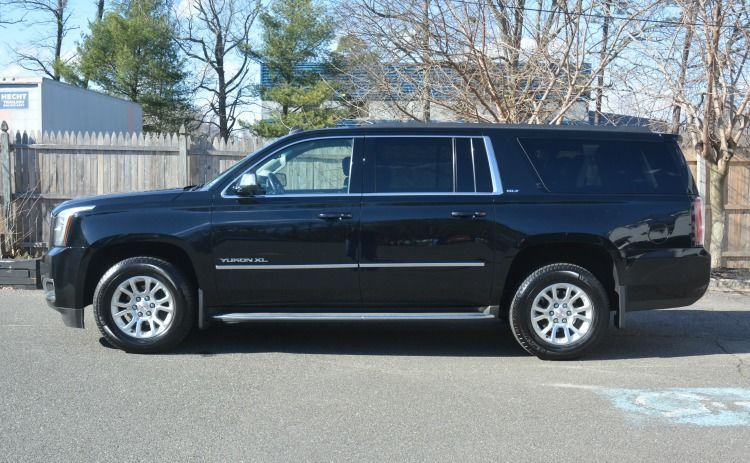 6 Passenger Yukon with Satellite Radio and Rear Climate Controls