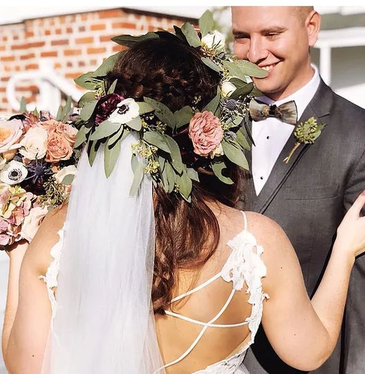 Floral headpiece for the wedding