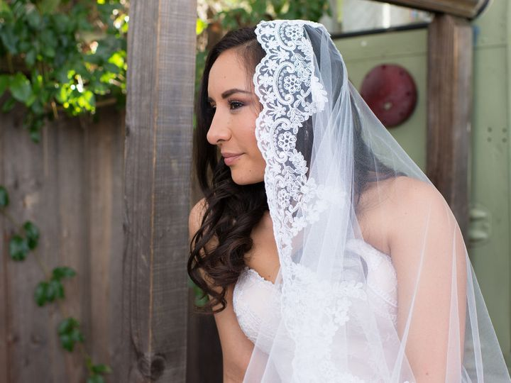 Tmx 1516318287 E2f35f72c1d227d3 1516318285 D298567fa25cb8cf 1516318282876 8 091 Copy Sacramento, CA wedding beauty