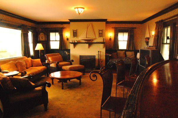 Avalon, Living Room