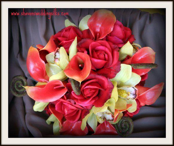 naturaltouchrealtouchredrosesorangeminicallalilieslilygreenorchidsfern