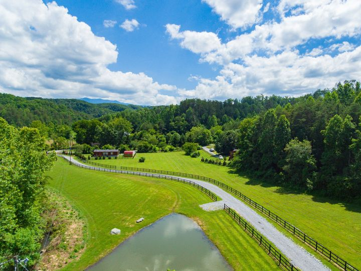 Tmx 1497470636653 27 Fourpointsfarm060917  Gatlinburg, TN wedding venue
