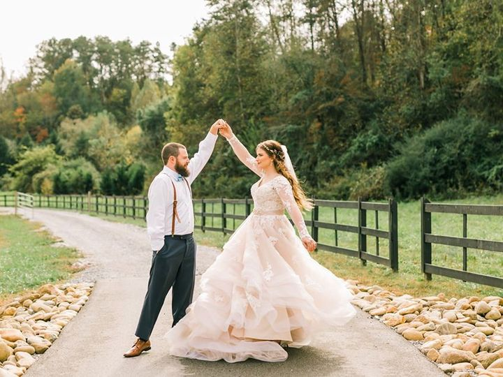 Tmx Twirl On Road 51 950927 158393488478674 Gatlinburg, TN wedding venue