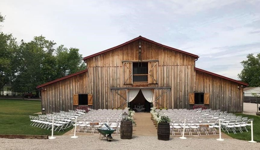 Outdoor Front Ceremony