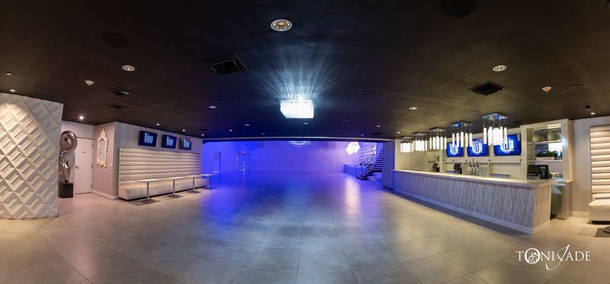 Crystal Ballroom cocktail room