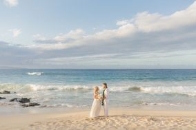 Simple Oahu Wedding
