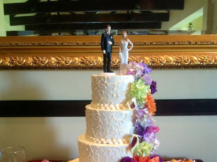 Tmx 1443033262425 01f261b3be491bac0a486c1ec9b9e68c23ef9a6860 Santa Rosa, California wedding cake