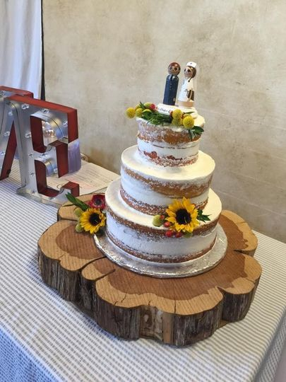 wedding cake smooth iced