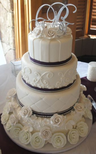 rhinestone wedding cake1