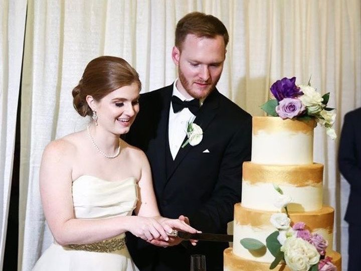 Tmx Img 9035 51 1914037 159343447912617 Taylorsville, GA wedding cake
