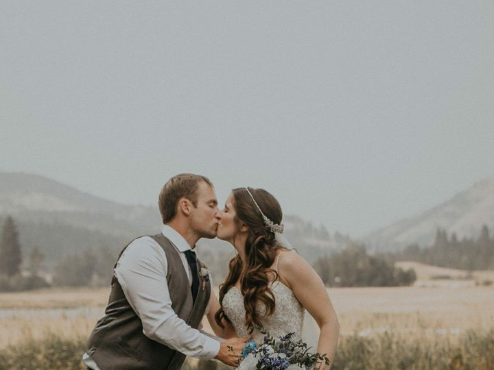 Tmx Img 2092 51 1045037 Ellensburg, WA wedding florist