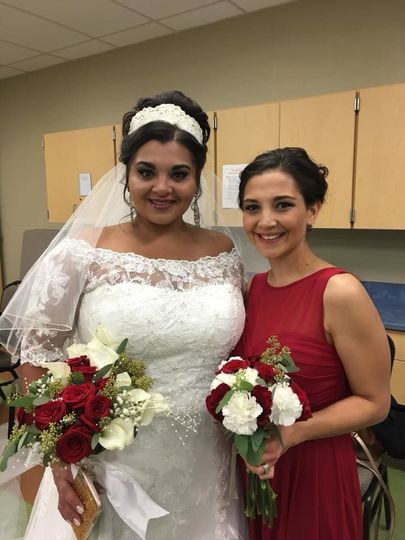 Bride and matching bridesmaid bouquets
